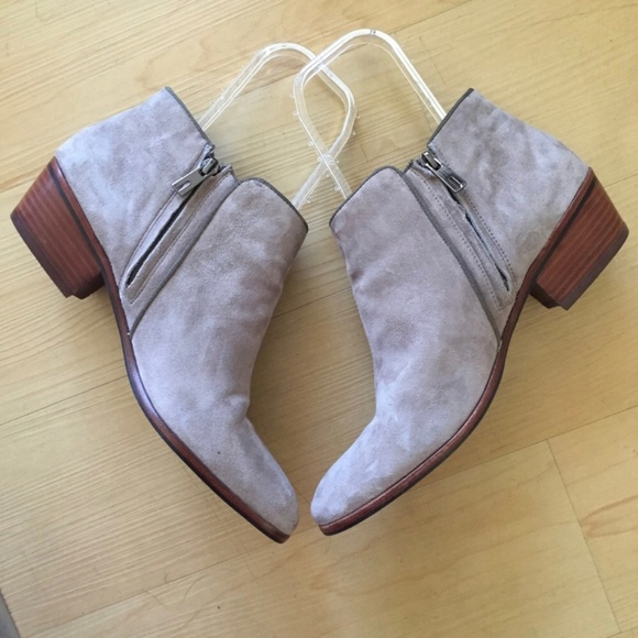 0d600e17235a95 Sam Edelman petty Chelsea booties putty suede 11.  M 5b8af32ce944ba3b06b96543. Other Shoes you may like